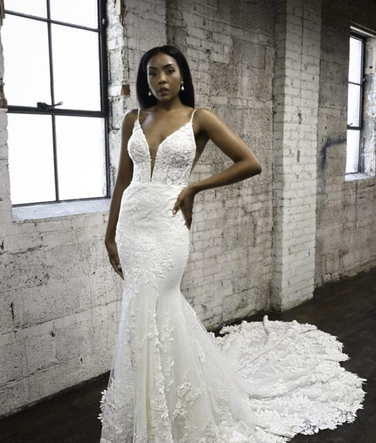 VERONA-1305-Martina-Liana-Luxury-Bridal-Gown-Elaborate-Train-Low-Back-Brisbane