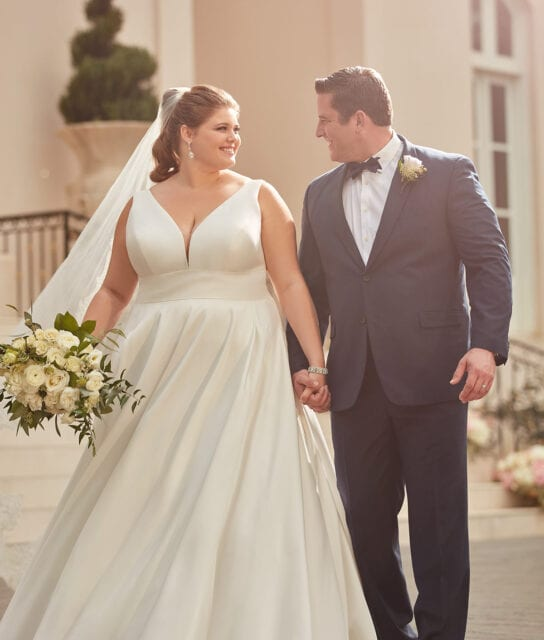 Granada_6758_Stella_York_Plus_Size_Curve_Wedding_Dress_Brisbane