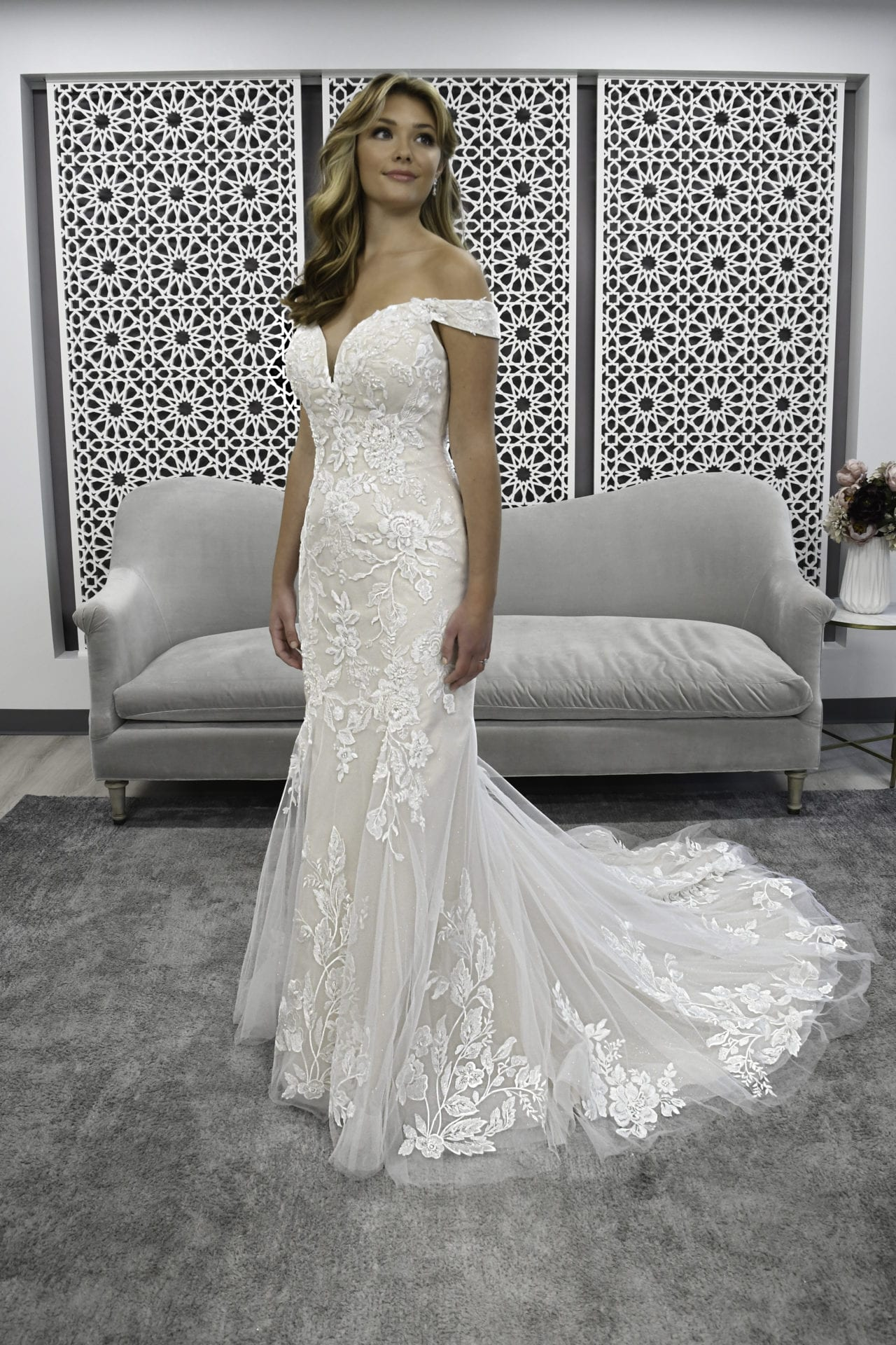 7272-Shelby-Stella-York-Curve-Off-the-Shoulder-Lace-Wedding-Dress