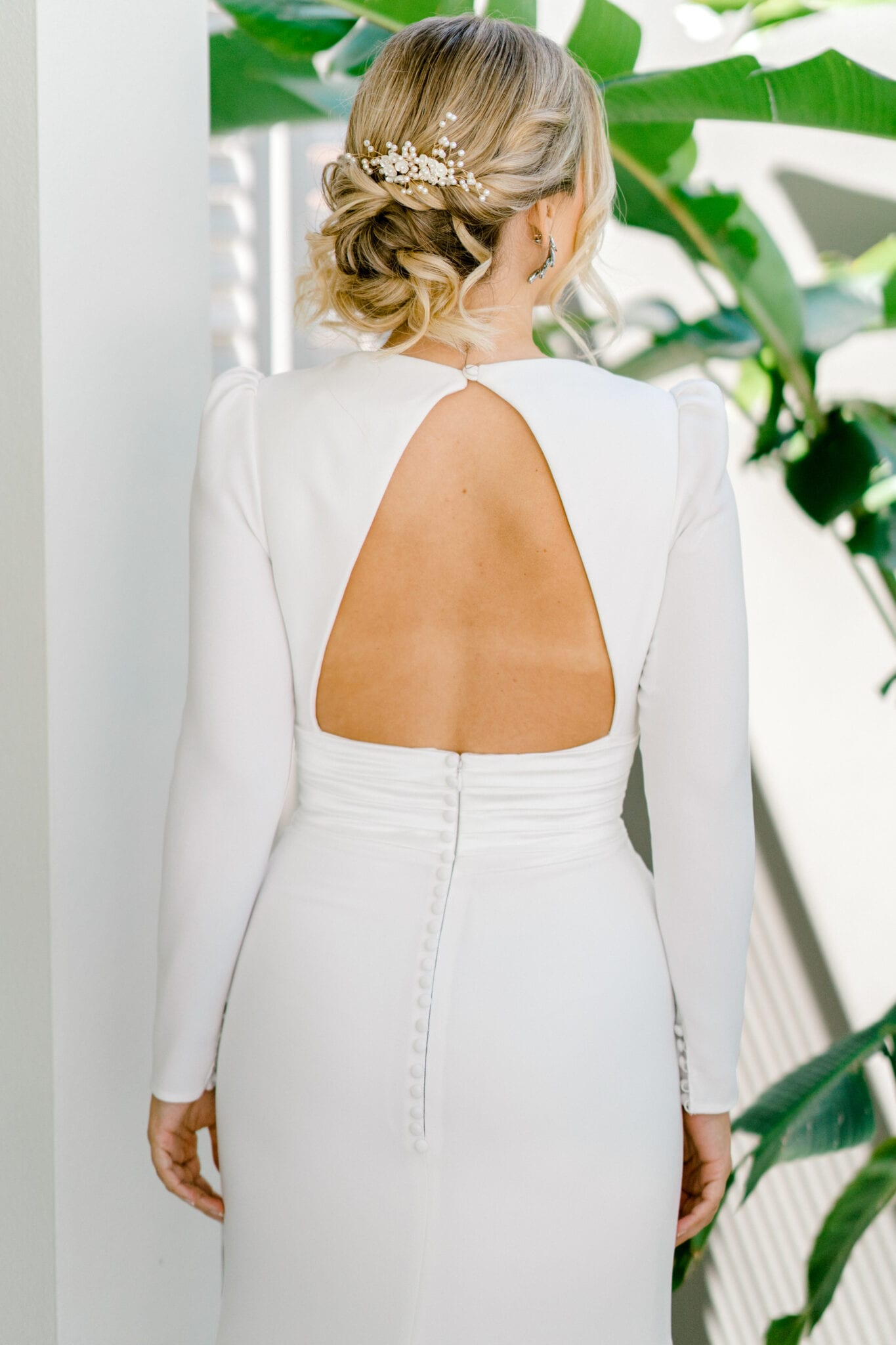 ADRIENNE-Pronovias-Modern-Crepe-Wedding-Gown-Sleeves-White-Lily-Couture-Brisbane (10)