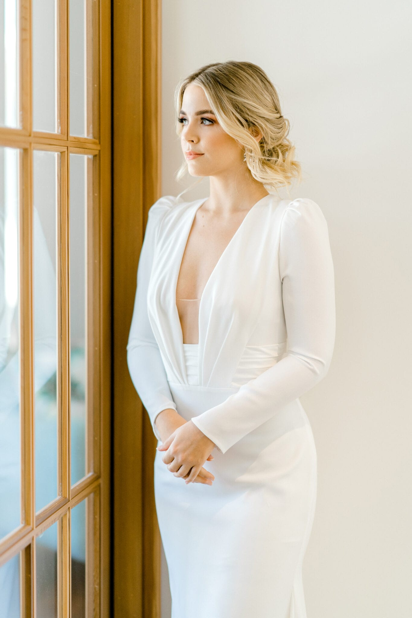 ADRIENNE-Pronovias-Modern-Crepe-Wedding-Gown-Sleeves-White-Lily-Couture-Brisbane (5)