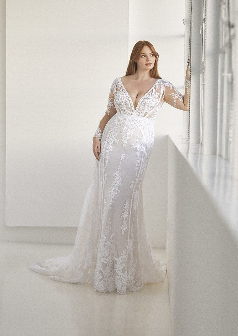 ANDREWS_Pronovias_ashley_graham_plus_size_curve_long_sleeve_lace_wedding_dress