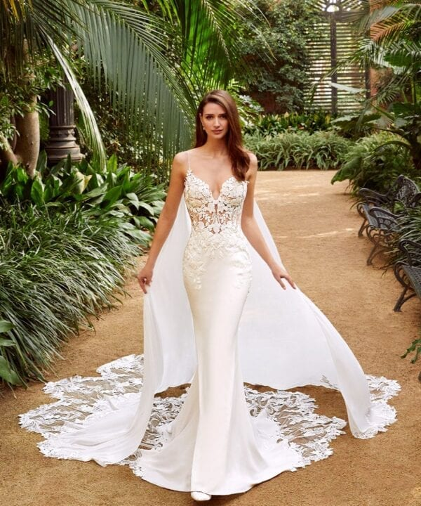 Enzoani_Pearl_Crepe_lace_Mermaid_Wedding_Dress_Brisbane