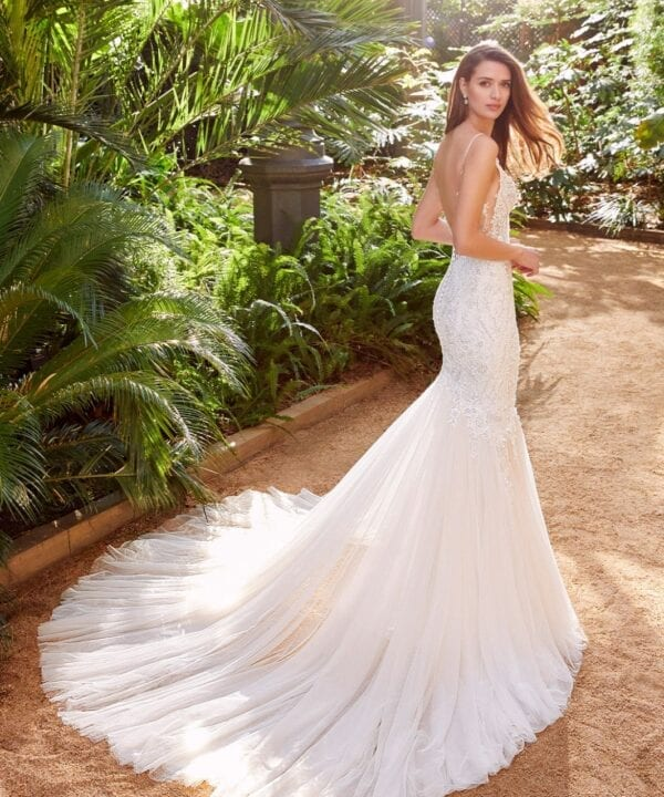 Enzoani_Pebbles_beaded_lace_Mermaid_Wedding_Dress_Brisbane