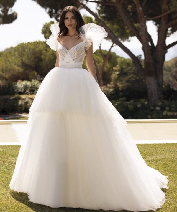 LARISA_Contemporary_Pronovias_Goddess_White_Lily_Couture