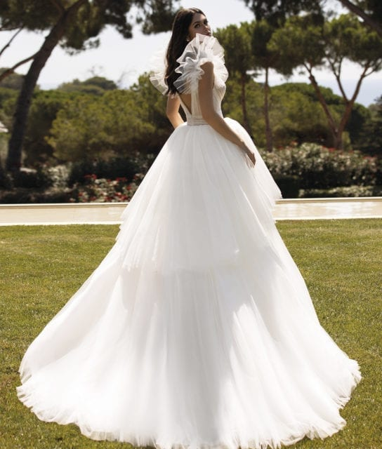 LARISA_Contemporary_Pronovias_Goddess_White_Lily_Couture_