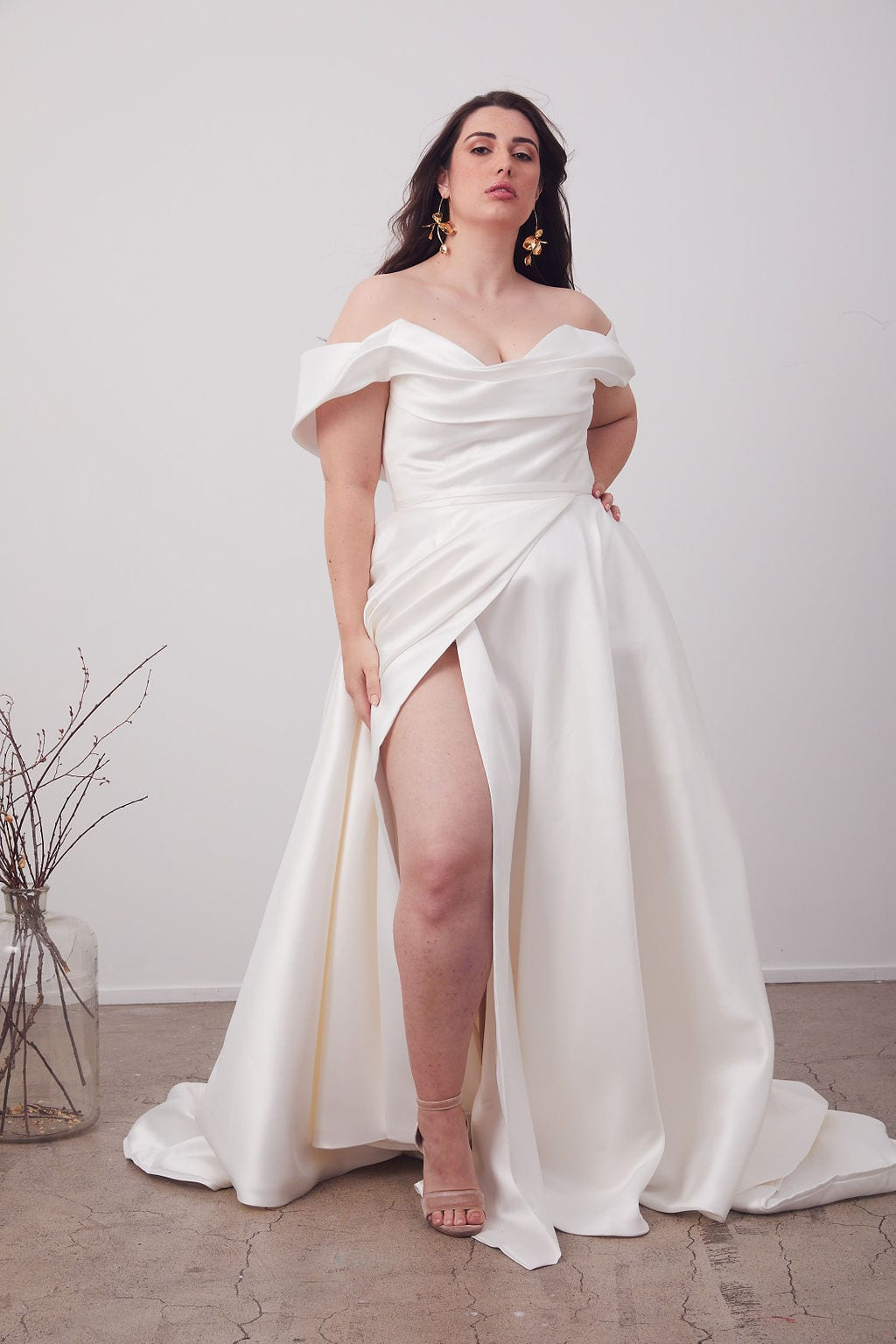 Hera_couture_Curve_White_Lily_Couture_Brisbane