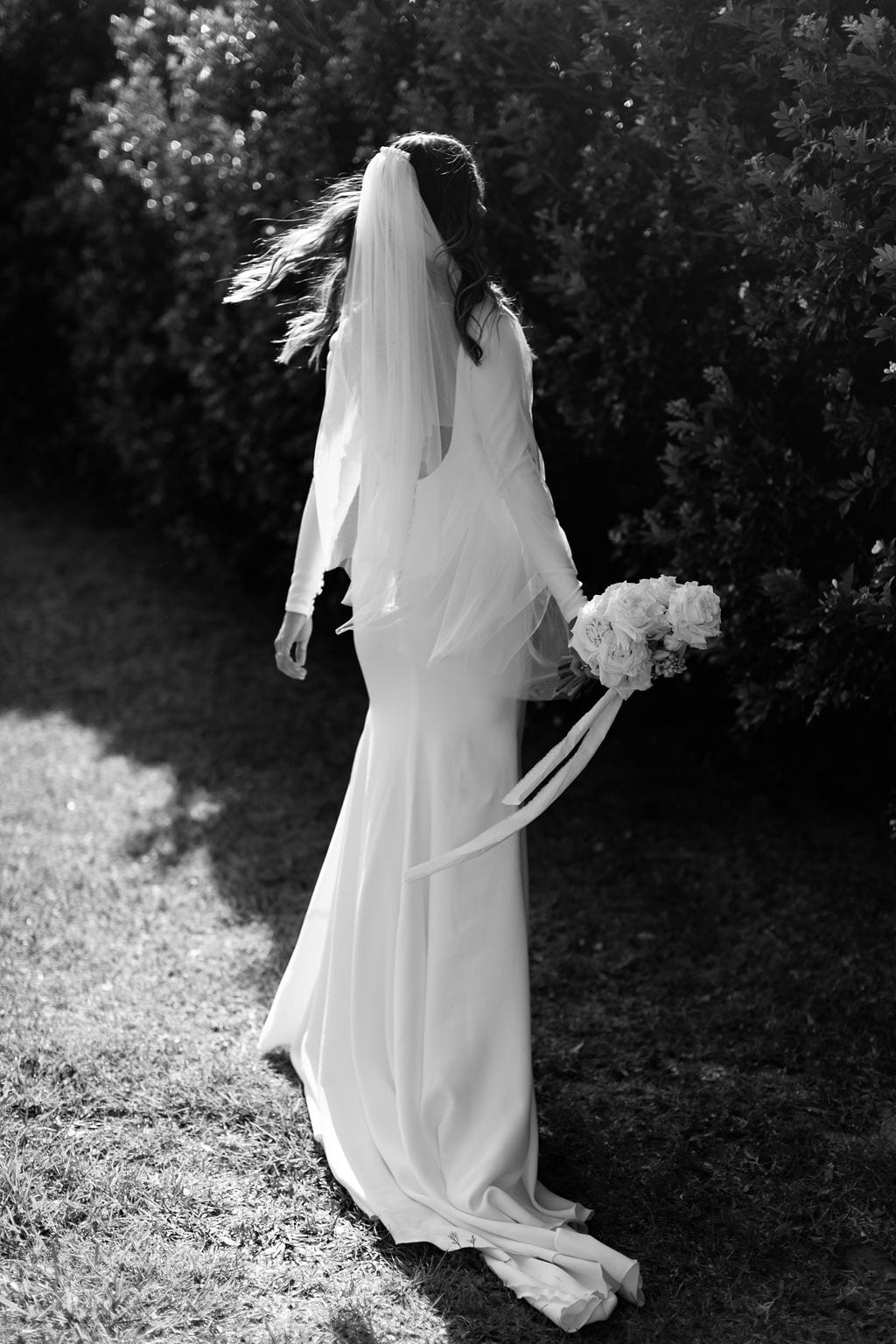 Modern_Minimal_Summergrove_Wedding_Pronovias_White_Lily_Couture (56)