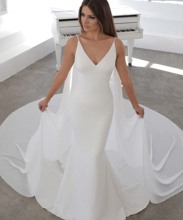 Enzoani-Nelia-Simple-Crepe-V-Neckline-Low-Back-Cape