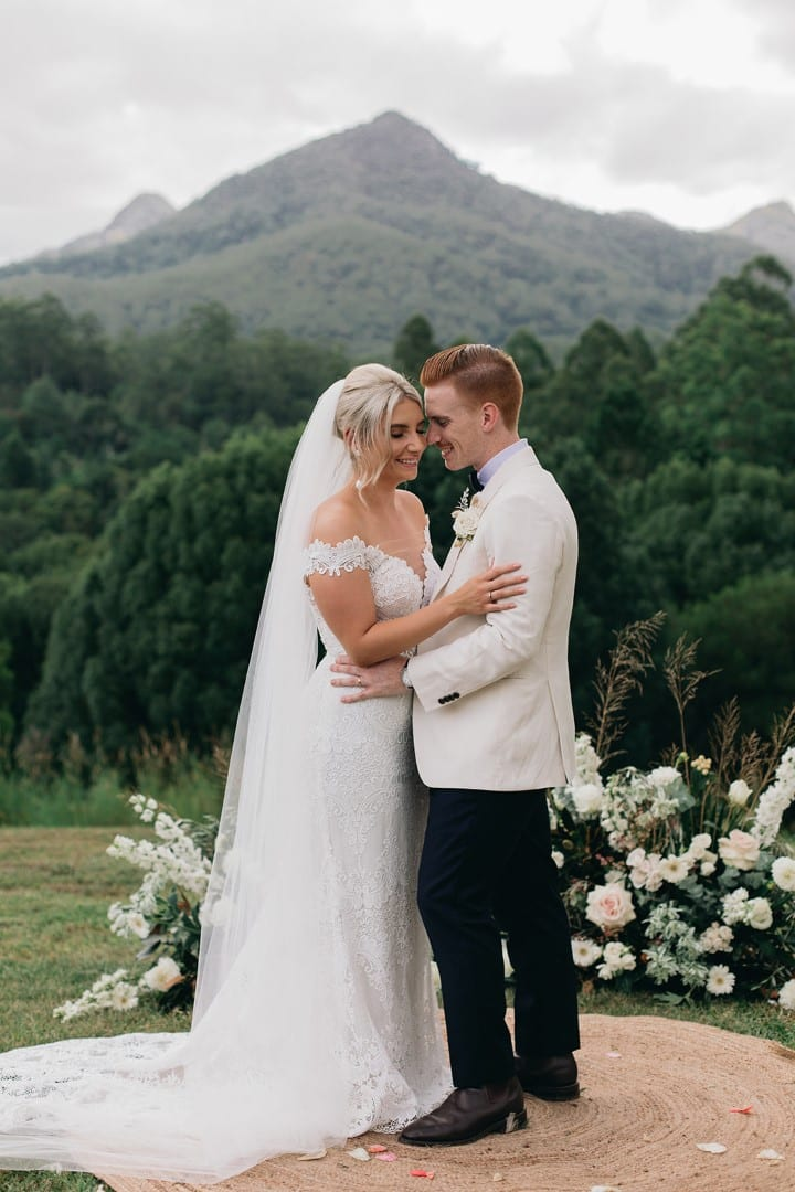 White_Lily_Couture_Wedding_Mt_Warning